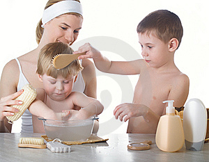 The Female Washes Royalty Free Stock Images - Image: 8664319