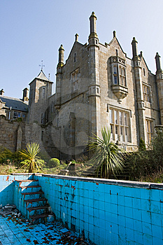 Mansion And Derelict Pool Royalty Free Stock Photography - Image: 8737307
