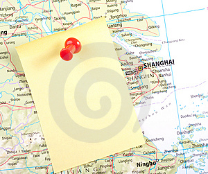 Yellow Note And Red Pin On Map Stock Photography - Image: 8743402