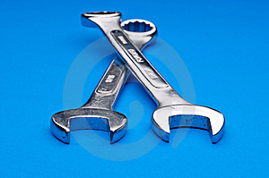 A Pair Of Old Worn Combination Wrenches Royalty Free Stock Images - Image: 8761149