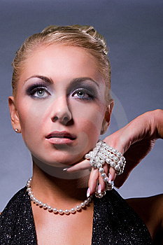 Glamorous Woman Royalty Free Stock Image - Image: 8770836
