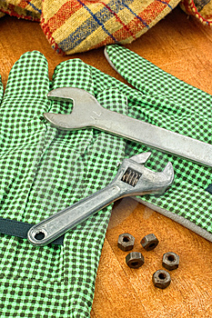 Spanners And Nuts Royalty Free Stock Images - Image: 8773619