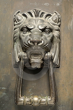 Bronze Lion Head Door Knocker Stock Photos - Image: 8805153