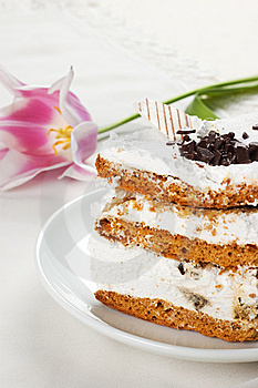Cake And Tulip Royalty Free Stock Images - Image: 8820719