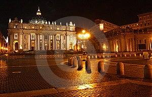 St Peter S ночи базилики Стоковая Фотография - изображение: 8841732