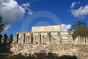 Group Of The Thousand Columns, Chichen-Itza Stock Images - Image: 8875234