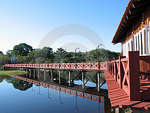 House And Bridge Royalty Free Stock Photos - Image: 8933498