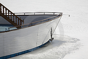 The Vessel Was Locked In Ice Royalty Free Stock Photos - Image: 8941428