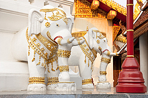 Elephants In Traditional Thai Style Molding Art Royalty Free Stock Images - Image: 8942649