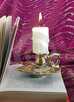 Candle And Book Royalty Free Stock Photos - Image: 8942898