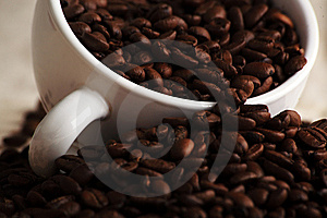 Mug With Coffee Grains Stock Images - Image: 8951084