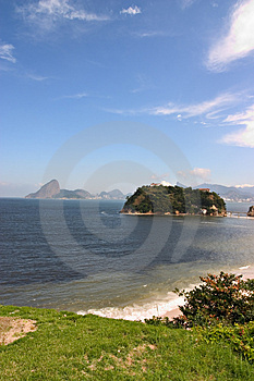 Niteroi And Sugar Loaf Free Stock Photography