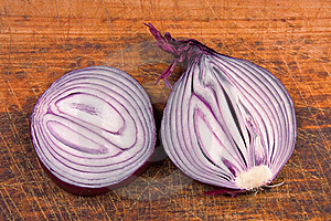 Onion On Board Royalty Free Stock Images - Image: 9005899