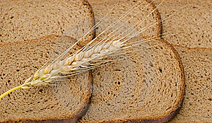 Wheat Ear Laying On Slices Of Bread Royalty Free Stock Images - Image: 9042939