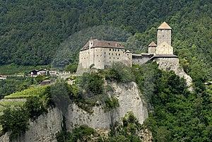 замок Tirol Стоковые Изображения RF - изображение: 9064349