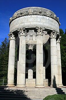 Pulgas-Wasser-Tempel Lizenzfreie Stockbilder - Bild: 9080309
