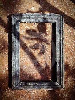 Viejo Marco De Madera Imagen de archivo libre de regalías - Imagen: 9180796
