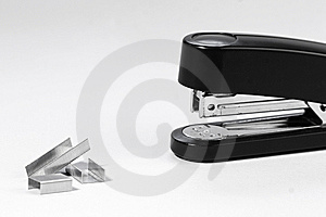 Stapler And Staples Royalty Free Stock Photos - Image: 9219148