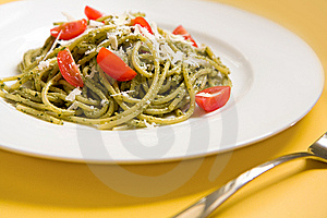 Spaghetti With Basil Pesto And Tomatoes Royalty Free Stock Photo - Image: 9233065