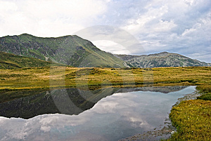 Rodnei Mountain Lake Stock Photography - Image: 9267262