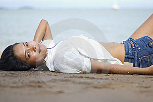 Lady On The Beach Royalty Free Stock Images - Image: 9271119