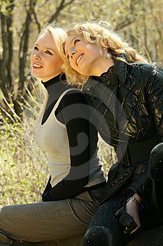 Friends Relaxing In A Park Royalty Free Stock Photos - Image: 9302328