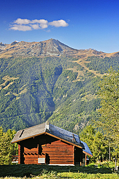 Chalet With A View Stock Images - Image: 9306534