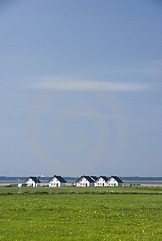 Lakeside Houses Royalty Free Stock Image - Image: 9334156