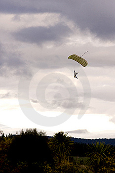 Paraglider Descending Royalty Free Stock Photos - Image: 9368978