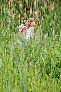 Girls In Long Grass Stock Image - Image: 9373141