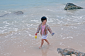Little Girl   Stock Photo - Image: 9374190