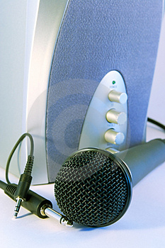 Plug And Sing Or Listen Royalty Free Stock Image - Image: 944956