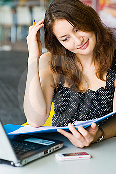 Young Pretty Caucasian Lady Using Laptop Outdoors Royalty Free Stock Photo - Image: 9408425