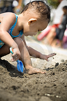 Baby Playing At The Beach Royalty Free Stock Image - Image: 9488236