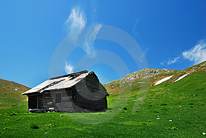 Old Bucegi Mountains Shelter Romania Royalty Free Stock Photo - Image: 9515265