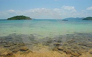 Isle In Ocean Royalty Free Stock Image - Image: 9571116