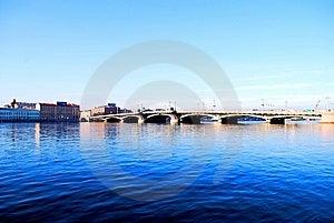 Die Dunkelheit - Blau - Blaues Wasser Lizenzfreies Stockfoto - Bild: 9579515