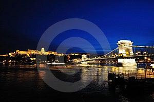 Szechenyi Chain Bridge And Buda Castle At Night Royalty Free Stock Photo - Image: 9609625