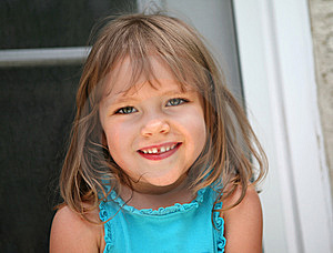 Smiling Little Girl Royalty Free Stock Photos - Image: 9613818