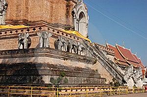 Wat Chedi Luang Stock Images - Image: 9625674