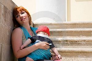 Giovane Madre Con Il Bambino Fotografia Stock Libera da Diritti - Immagine: 9668175