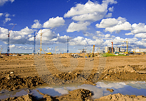 Cranes Royalty Free Stock Images - Image: 9717259