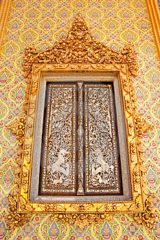 Traditional Thai Style Buddhist Church Window Stock Photography - Image: 9852012