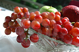 Fresh And Juicy Grapes In A Crystal Bowl Royalty Free Stock Image - Image: 9894766