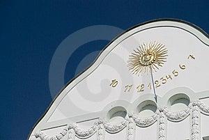 Sundial Royalty Free Stock Photo - Image: 9941495