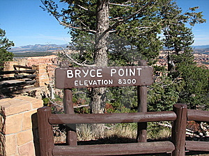 Bryce Canyon: Bryce Point Elevation Sign, Utah, US Royalty Free Stock Images - Image: 9955829